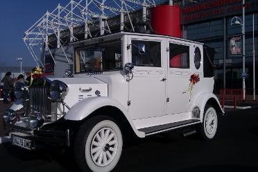 Vintage 6 passenger seat wedding car hire Cleveland and the north east.