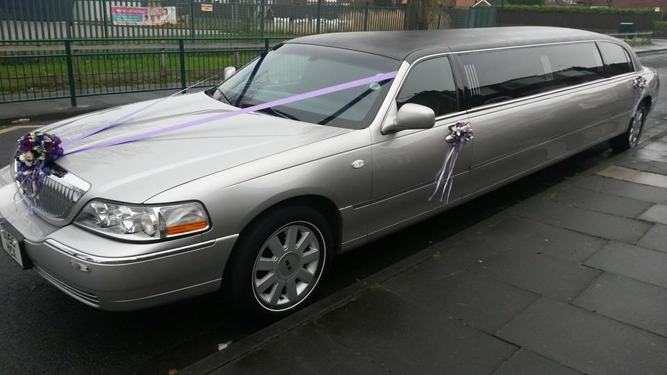 wedding limo and vintage car hire North East. www.middlesbroughweddingcars.co.uk